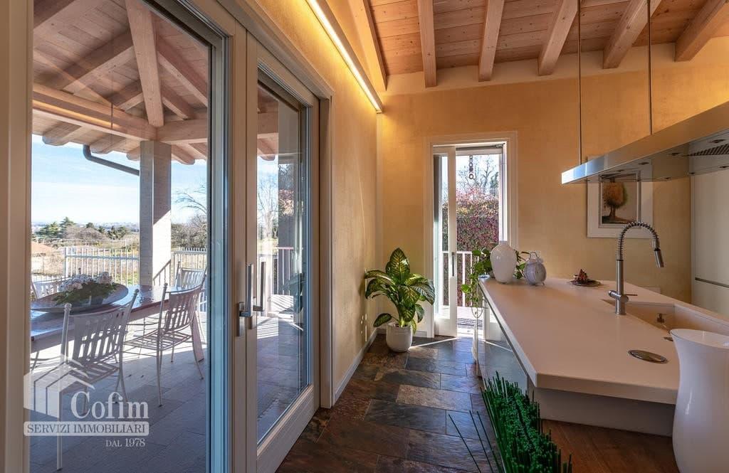 Villa di lusso recente, panoramica in VENDITA, Classe A1, finiture di pregio  Sona (Sona) - 9