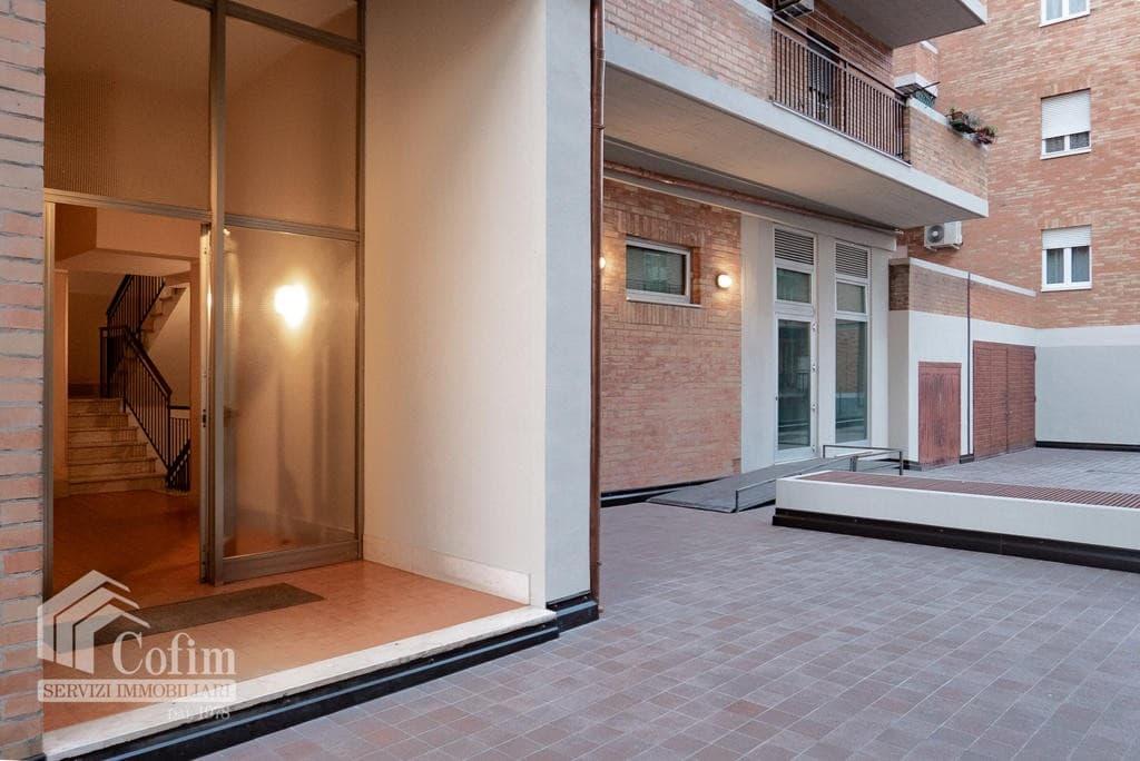 Appartamento trilocale in VENDITA in bel condominio in ottima posizione  Verona (San Michele) - 2
