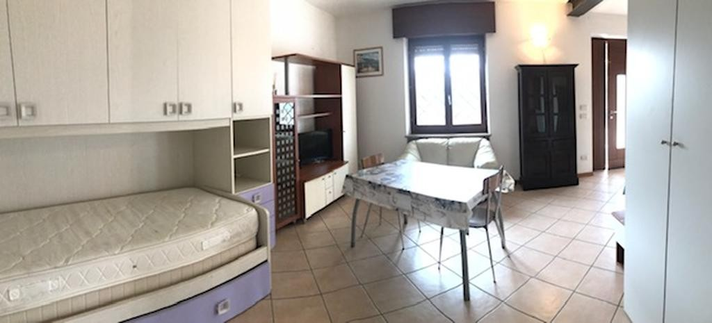 Appartamento monolocale completamente ristrutturato ed arredato  Settimo (Pescantina) - 2