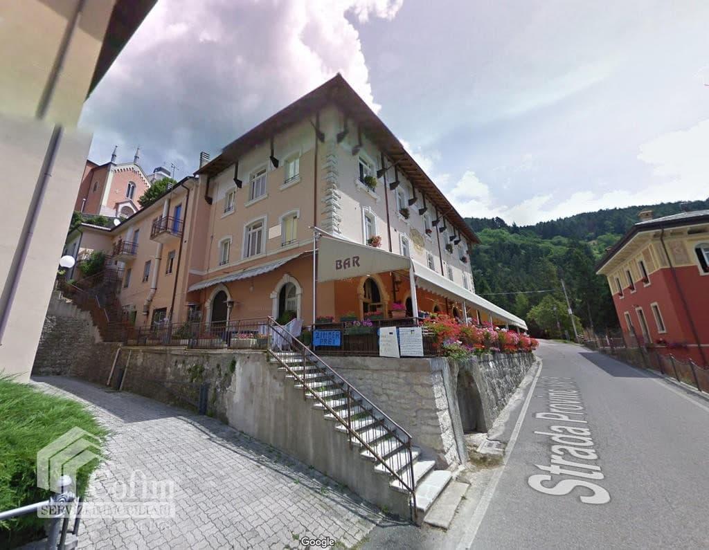 Albergo e Ristorante con Terrazzo e ampio Giardino in VENDITA   Ferrara di Monte Baldo - 3