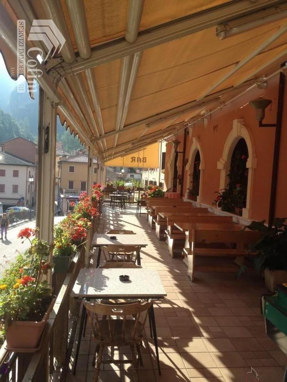 Albergo e Ristorante con Terrazzo e ampio Giardino in VENDITA   Ferrara di Monte Baldo - 9
