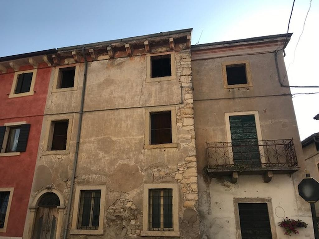 Cottage FOR SALE in Valpolicella with GARDEN and GARAGE  Valgatara (Marano di Valpolicella) - 2