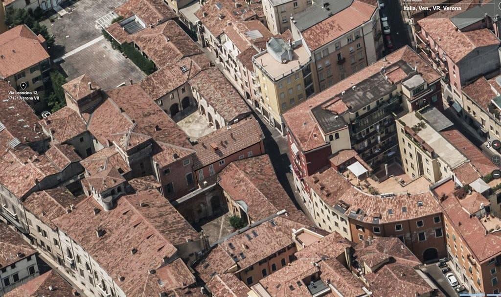 Casa indipendente in VENDITA zona Via Cappello, v.ze Piazza Erbe, con garage  Verona (Centro Storico) - 3