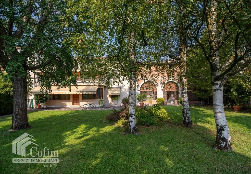 Casa indipendente in VENDITA con barchessa e giardino privato  Bonavicina (San Pietro di Morubio)