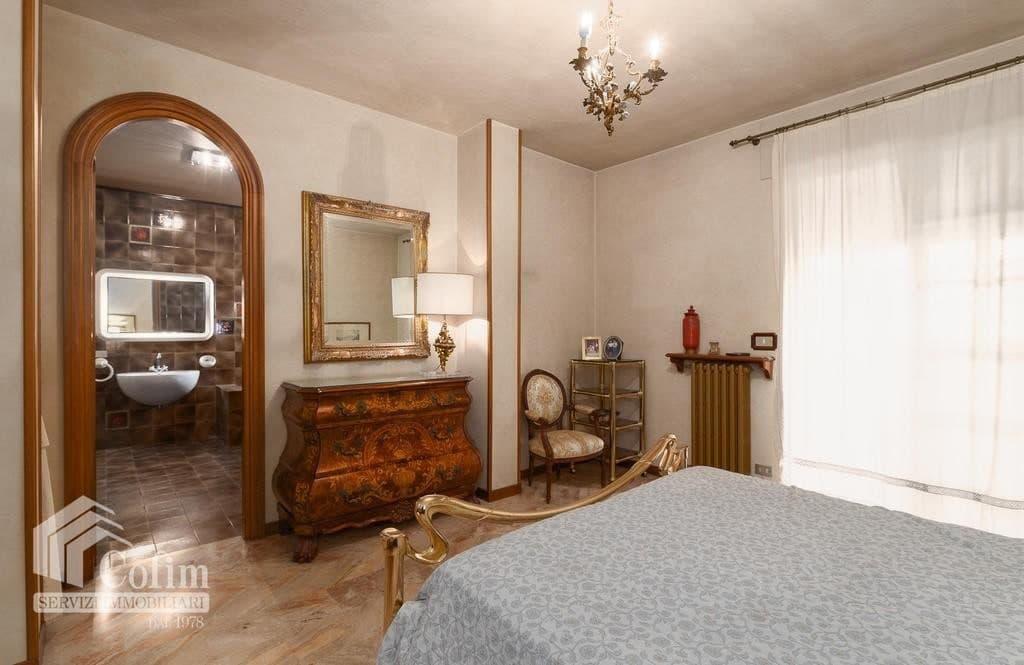 Appartamento cinque locali ATTICO luminoso con TERRAZZO in VENDITA, ampia metratura  Verona (San Michele) - 7