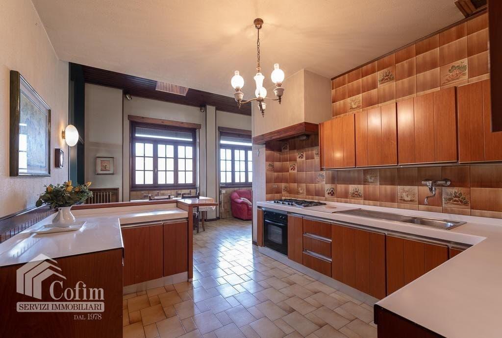 Appartamento cinque locali ATTICO luminoso con TERRAZZO in VENDITA, ampia metratura  Verona (San Michele) - 8