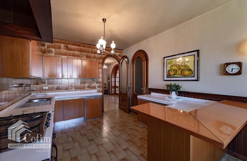 Appartamento cinque locali ATTICO luminoso con TERRAZZO in VENDITA, ampia metratura  Verona (San Michele) - 9