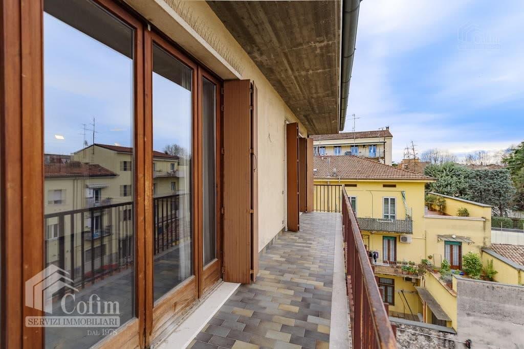 Appartamento cinque locali ULTIMO PIANO in VENDITA in palazzo d'epoca Str.ne Porta Palio  Verona (Centro ) - 7