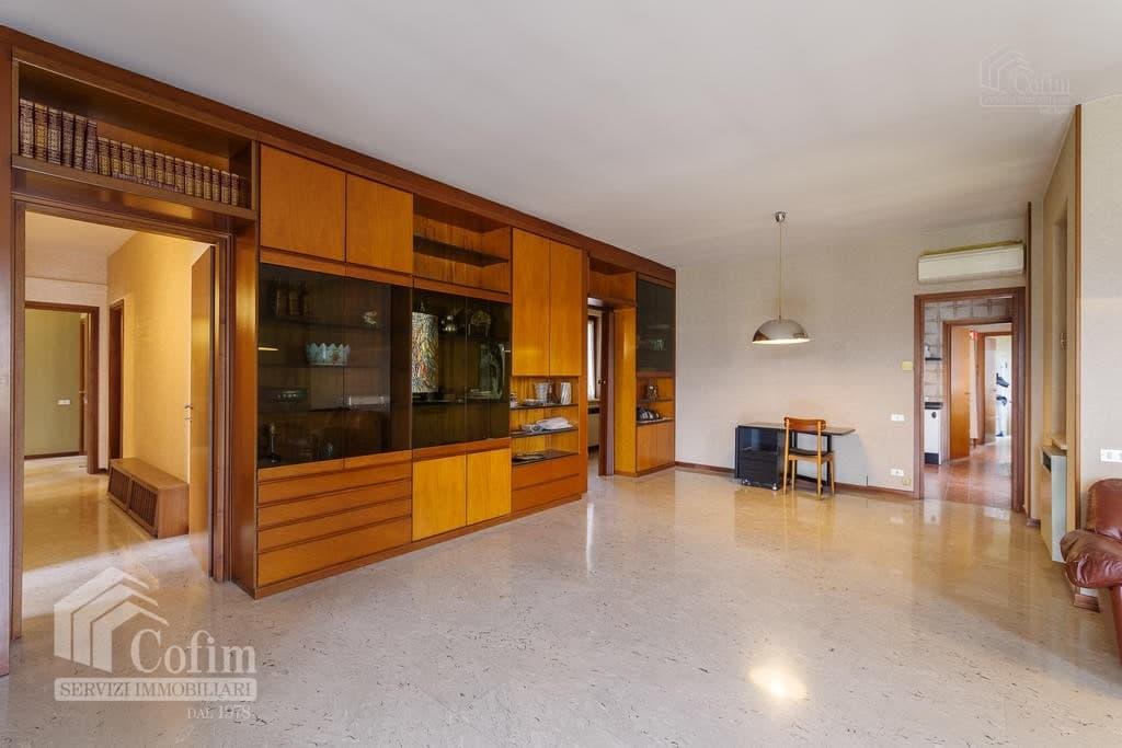 Appartamento cinque locali ULTIMO PIANO in VENDITA in palazzo d'epoca Str.ne Porta Palio  Verona (Centro ) - 8