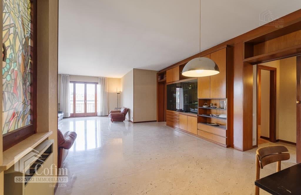 Appartamento cinque locali ULTIMO PIANO in VENDITA in palazzo d'epoca Str.ne Porta Palio  Verona (Centro ) - 10