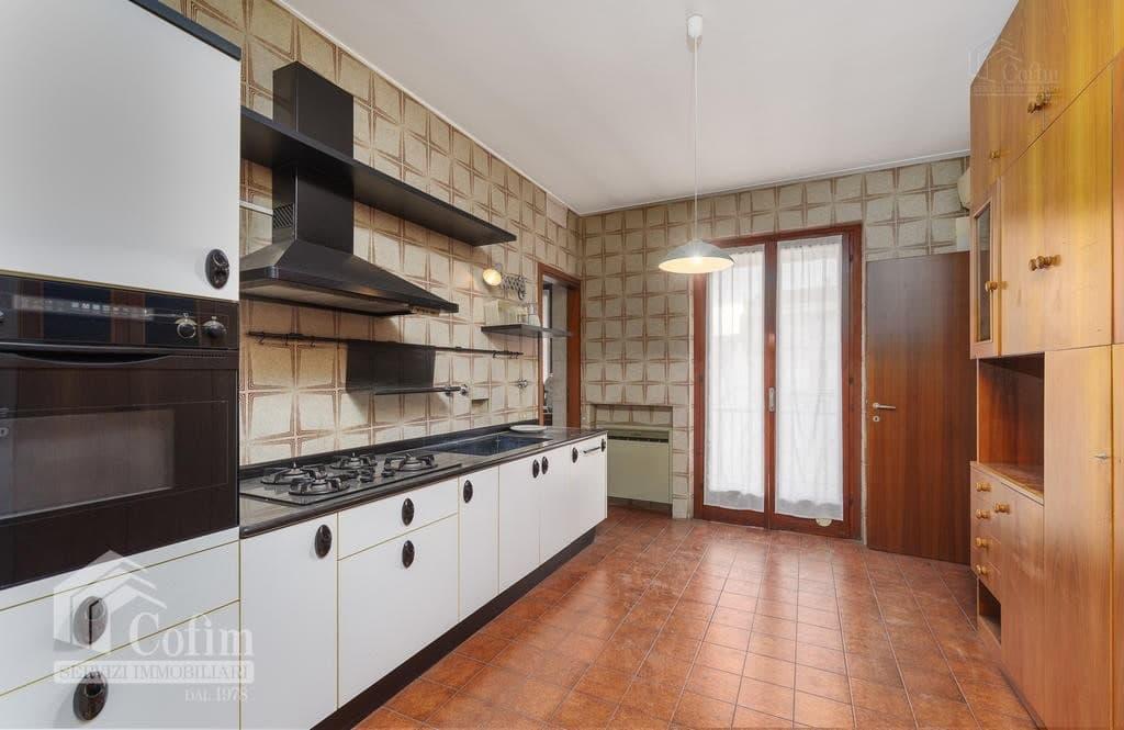 Appartamento cinque locali ULTIMO PIANO in VENDITA in palazzo d'epoca Str.ne Porta Palio  Verona (Centro ) - 11