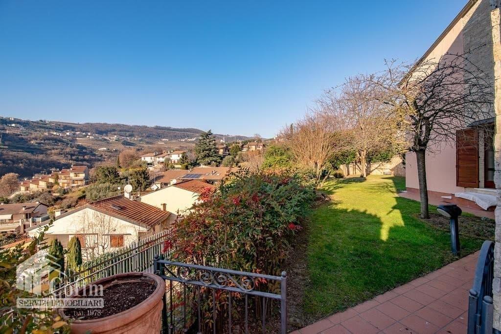 Villa bifamigliare in VENDITA elegante, recente, panoramica con GIARDINO  Negrar (Negrar) - 3
