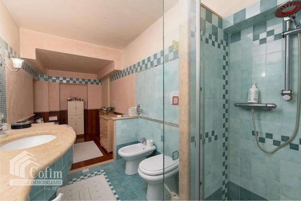 Villa bifamigliare elegante panoramica residenza in VILLA bifamiliare con GIARDINO   Negrar (Negrar) - 13