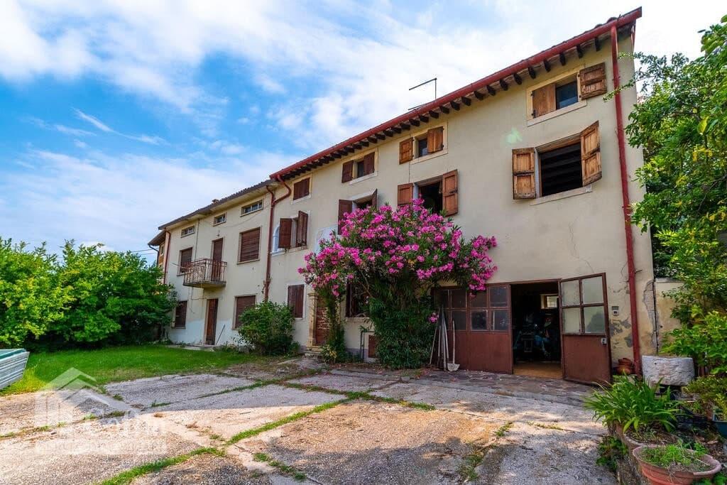 Rustico in panoramica ampia CORTE STORICA in VENDITA  Dal Cero (Montecchia di Crosara) - 3