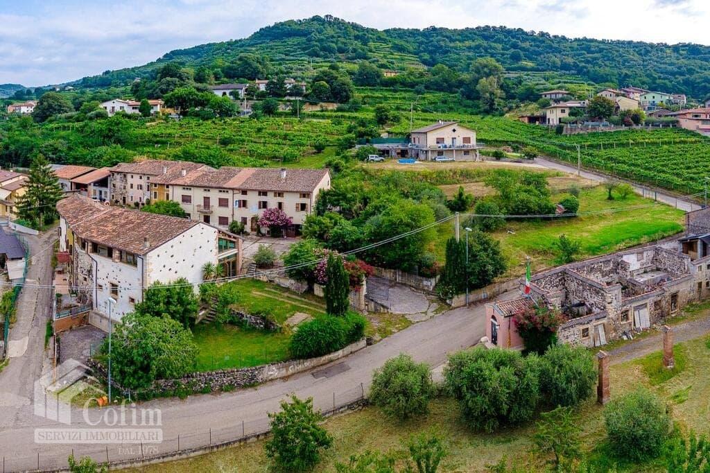 Rustico in panoramica ampia CORTE STORICA in VENDITA  Dal Cero (Montecchia di Crosara) - 15