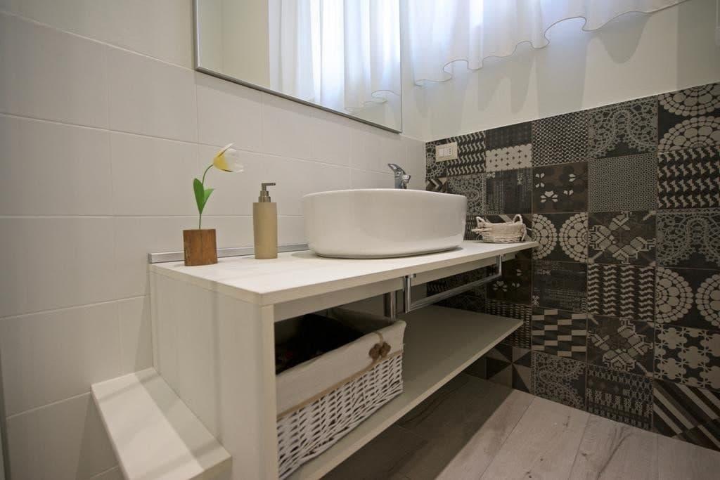 Appartamento bilocale ristrutturato ARREDATO e corredato, con ingresso indipendente  Verona (Borgo Trento) - 3