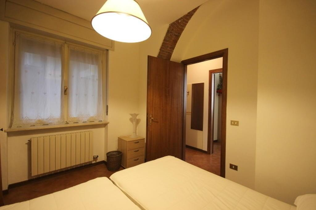 Four-rooms Apartment refurbished FURNISHED for RENT in the CENTER near PIAZZA BRA  Verona (Centro Storico) - 6