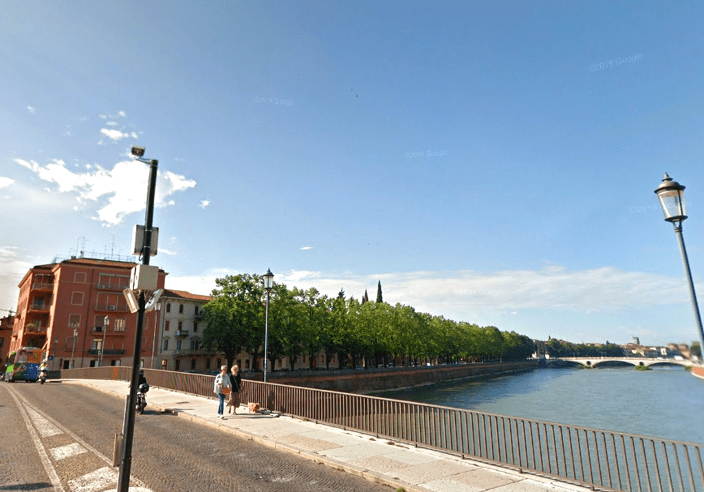 Appartamento quadrilocale piano alto RISTRUTTURATO in AFFITTO Ponte Garibaldi  Verona (Centro Storico)