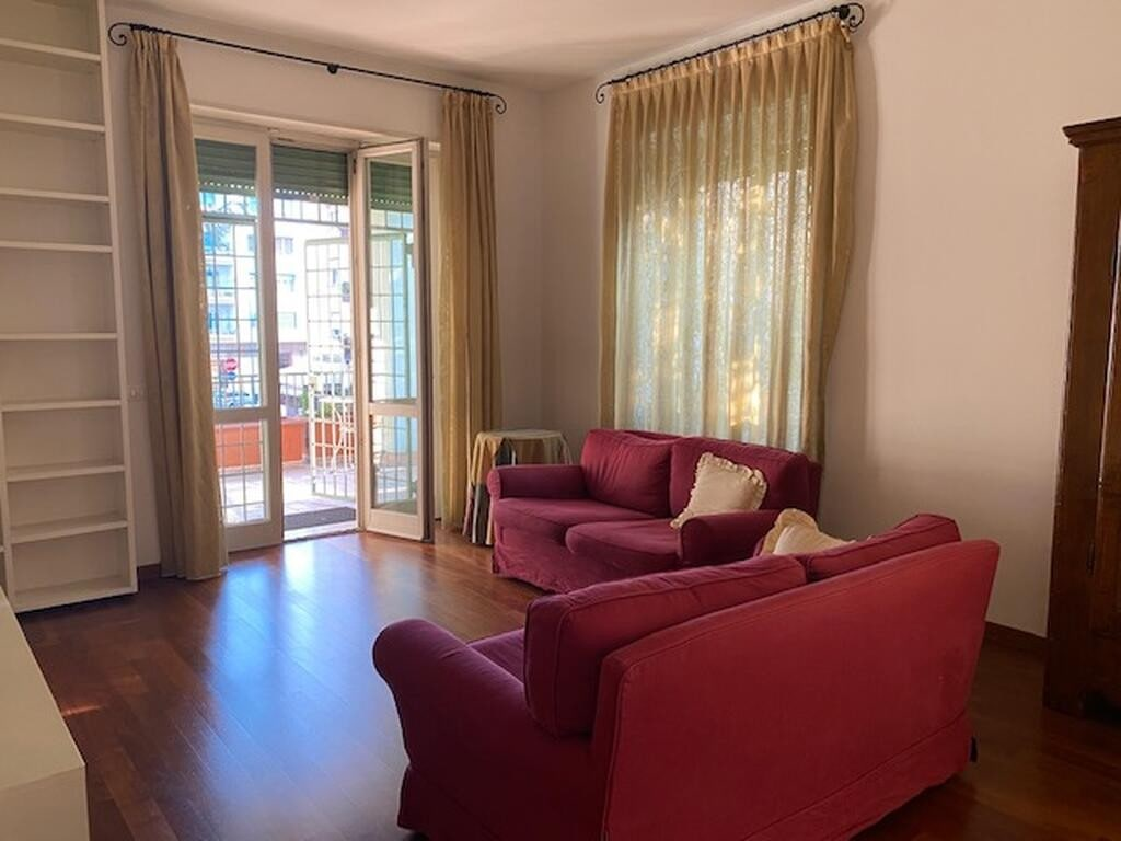 Five-rooms Apartment FOR RENT three bedrooms two bathrooms NEAR THE CENTER  Verona (Borgo Trento)
