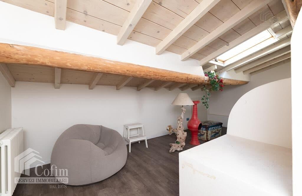 Two-rooms Apartment with attic  Verona (Borgo Roma) - 10