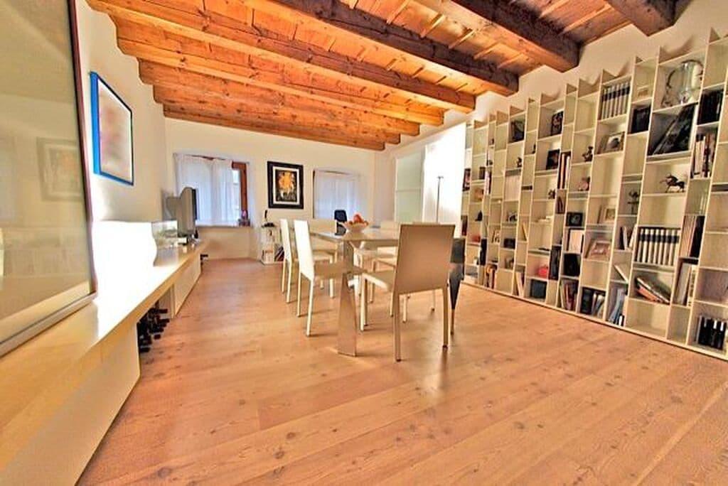 Appartamento quadrilocale ristrutturato ARREDATO lusso in AFFITTO V.ze Mazzini con garage  Verona (Centro Storico)