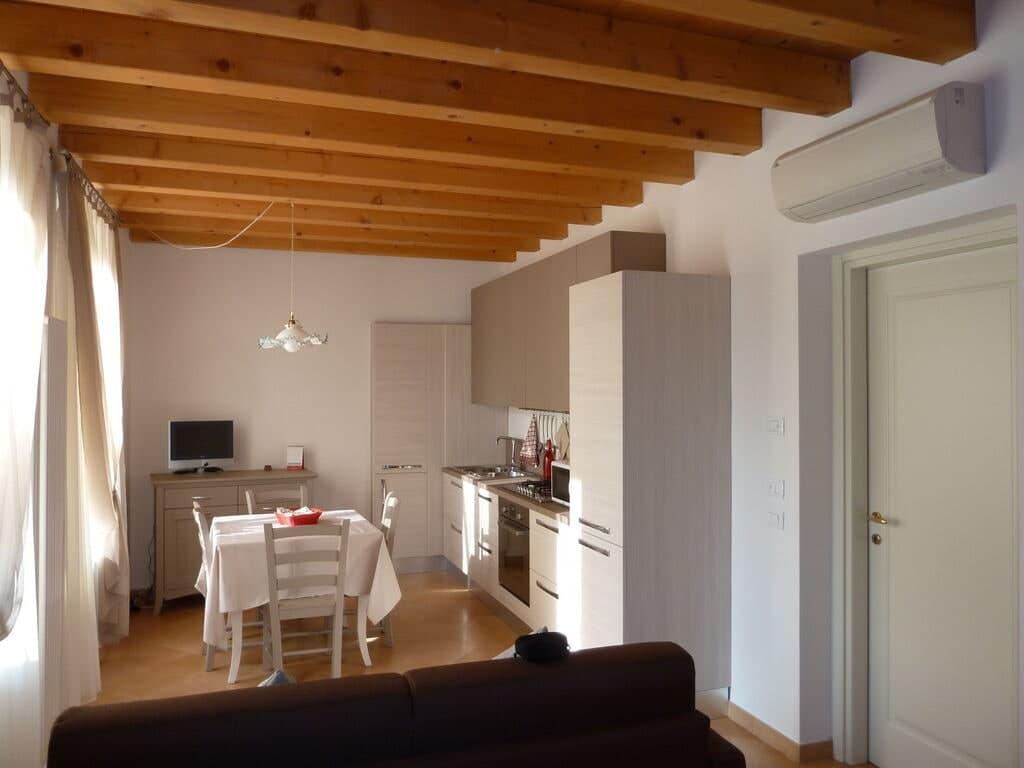 Two-rooms Apartment for RENT in Piazza San Zeno  Verona (San Zeno)