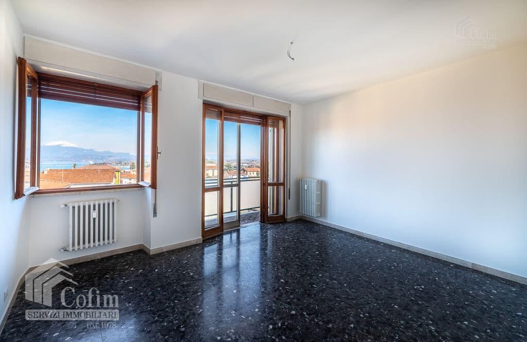 Appartamento quadrilocale Vista panoramica, vicinanza Lago e centro storico  Peschiera del Garda