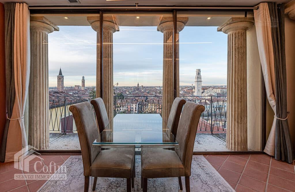 Attico arredato con terrazzo in vendita   Verona (San Stefano)