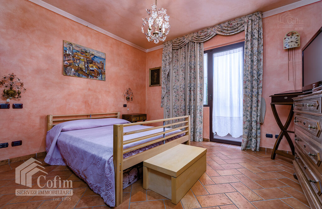 Five-rooms Apartment with terrace and roof garden, near the Lake   Sirmione - 9