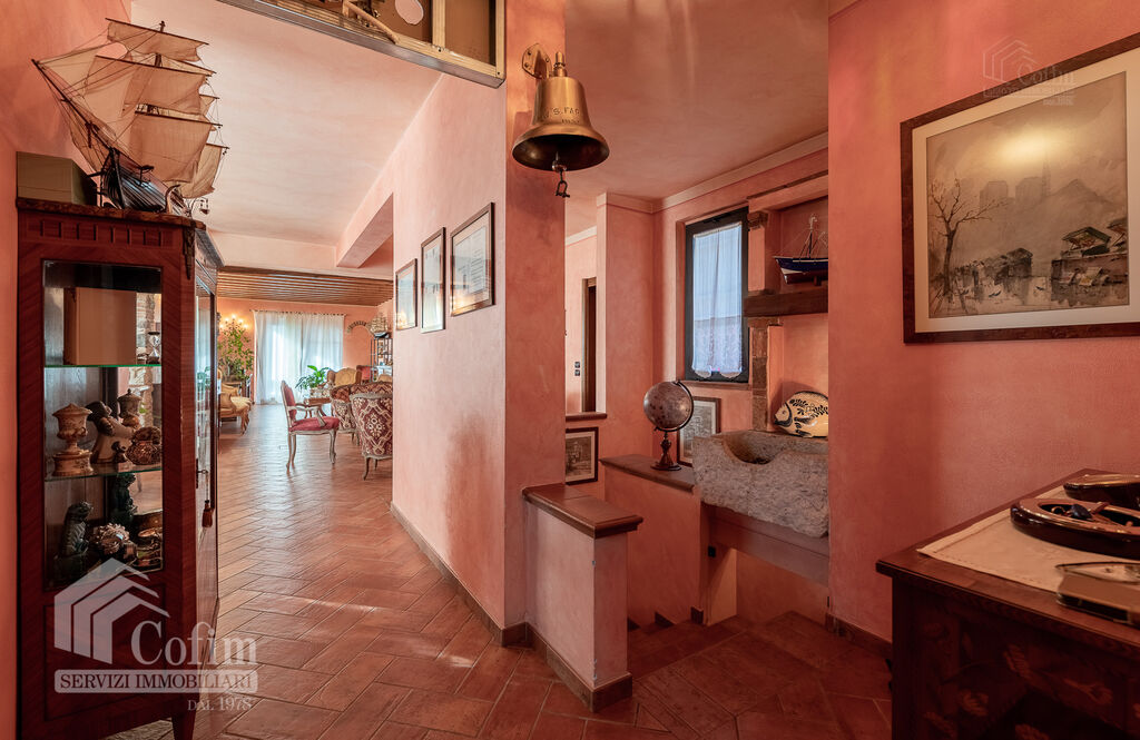 Five-rooms Apartment with terrace and roof garden, near the Lake   Sirmione - 6
