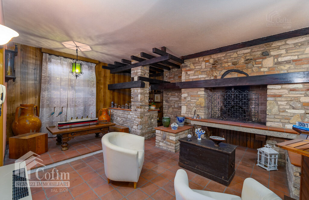 Five-rooms Apartment with terrace and roof garden, near the Lake   Sirmione - 13
