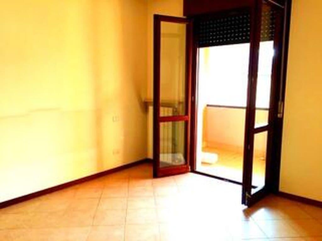 Three-rooms Apartment for RENT, top floor panoramic with TERRACE  Verona (Parona) - 2