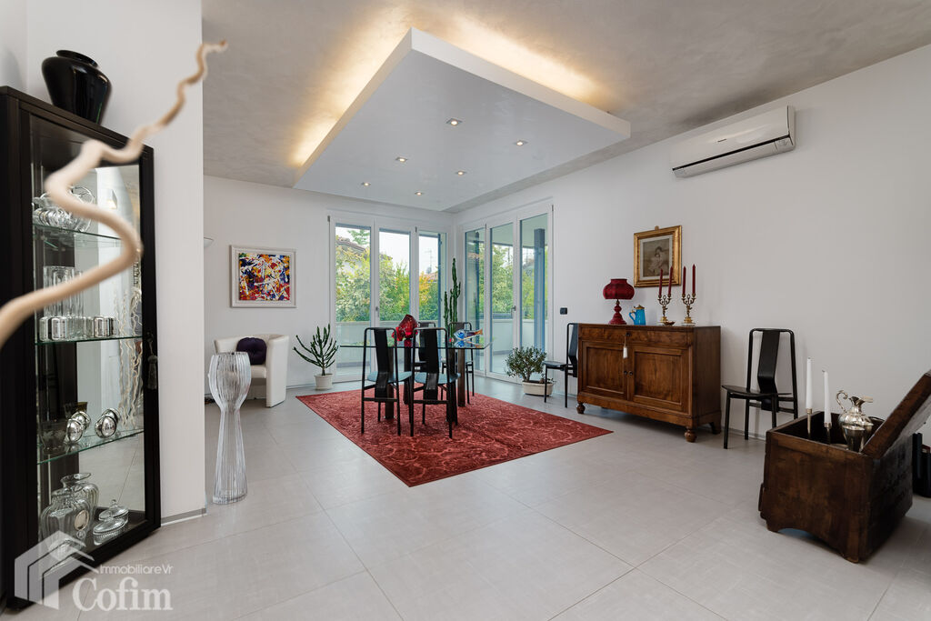 Villa with garden, wonderful, ample sqm, for SALE  Pedemonte (San Pietro in Cariano) - 3