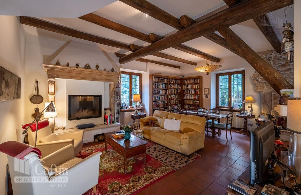 Vintage House for SALE with ample private garden in Vendri area  Verona (Nesente) - 12