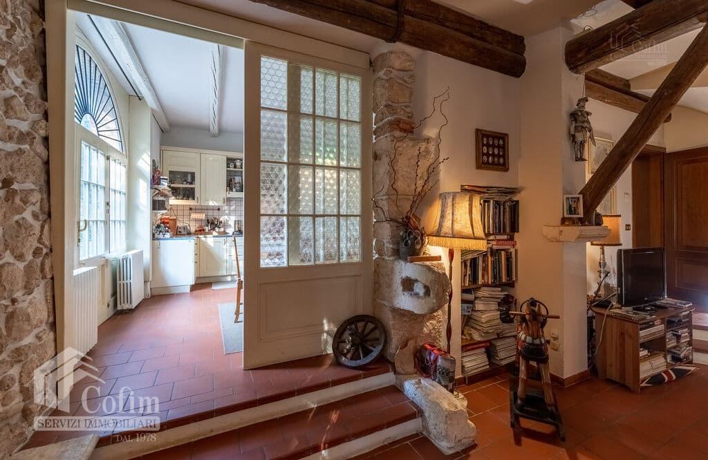 Vintage House for SALE with ample private garden in Vendri area  Verona (Nesente) - 16