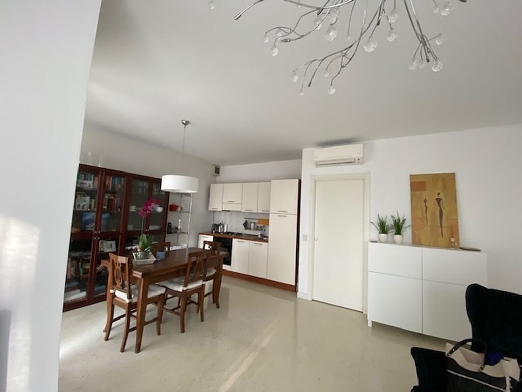 Four-rooms Apartment for RENT in Catena neighborhood with terrace and double garage  Verona (Navigatori)