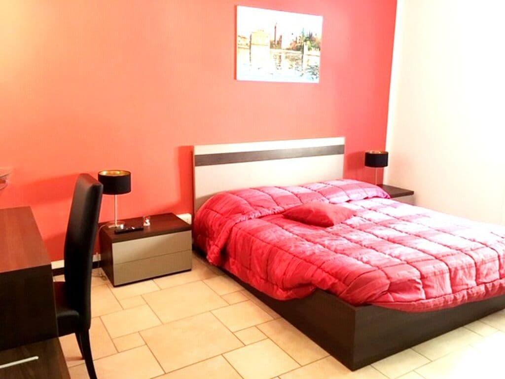 Appartamento trilocale in AFFITTO elegante arredato in Piazza Renato Simoni  Verona (Valverde)