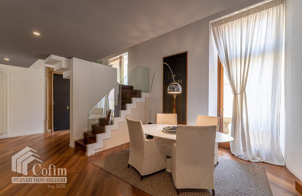 Appartamento di lusso RISTRUTTURATO e arredato in VENDITA v.ze PIAZZA ERBE  Verona (Centro Storico) - 11