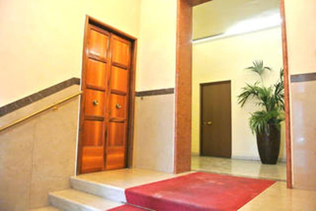 Ufficio in AFFITTO, piano rialzato, finestre fronte strada  Verona (Centro Storico)
