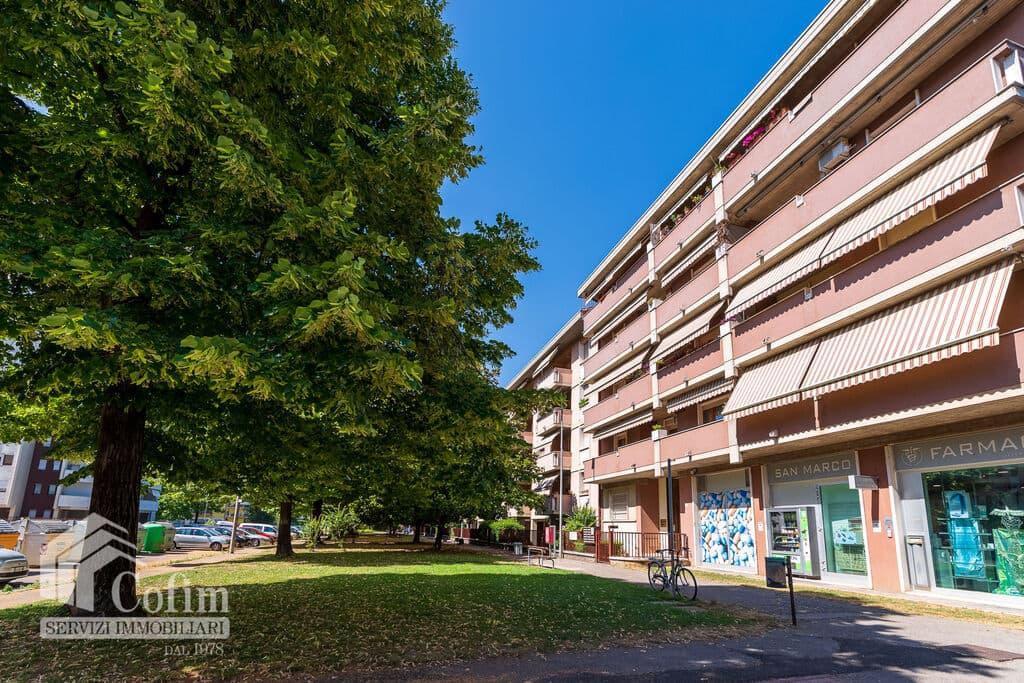 Appartamento cinque locali ristrutturato, in VENDITA in VIA GRAMSCI, con box doppio  Verona (Borgo Milano)