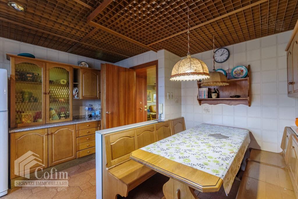 Appartamento cinque locali PANORAMICO luminoso ULTIMO PIANO in VENDITA  Verona (Saval) - 8