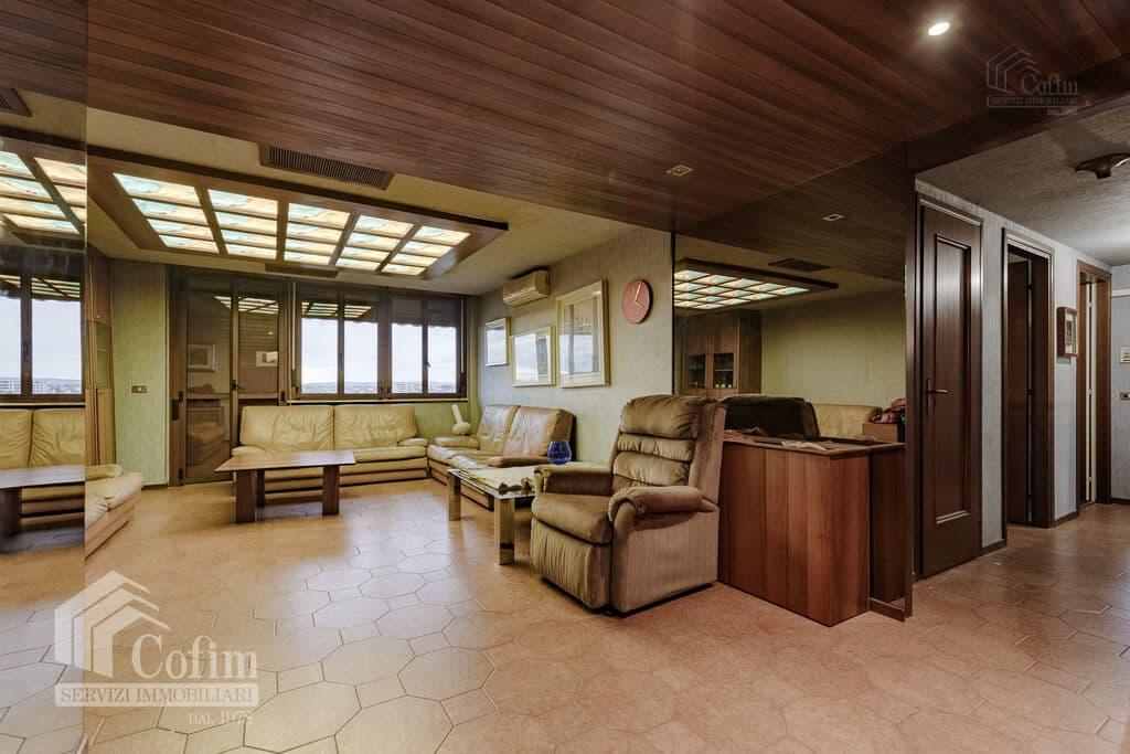 Appartamento cinque locali PANORAMICO luminoso ULTIMO PIANO in VENDITA  Verona (Saval) - 3