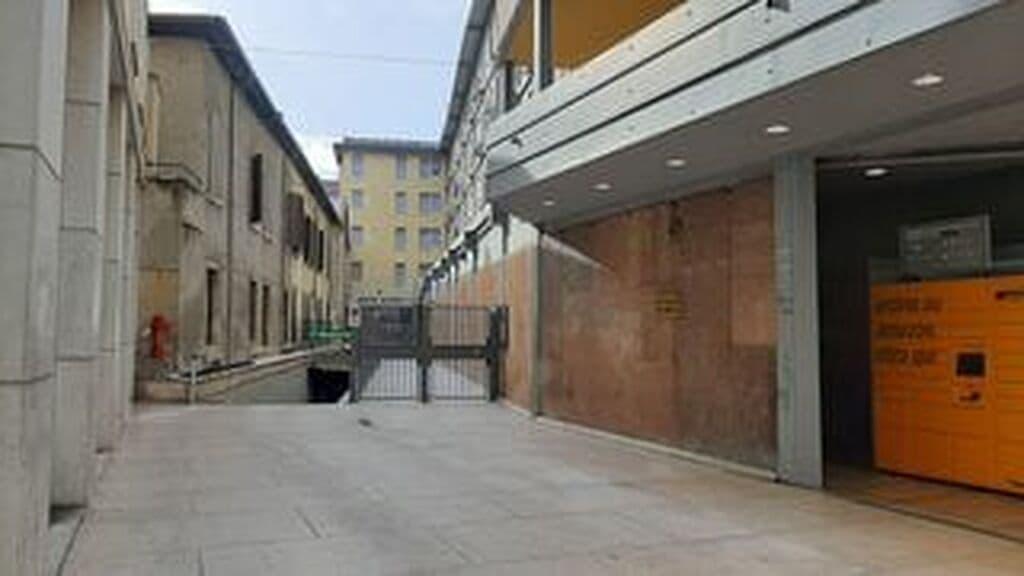 Garage close to Piazza Bra   Verona (Centro ) - 3