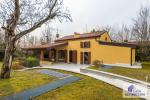 Rustic and farm houses for sale and renting in Verona