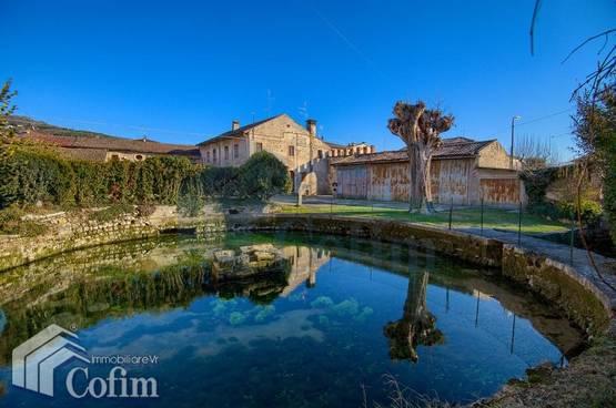 Villa d'epoca corte storica laghetto parco Verona (Montorio)