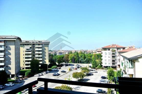 Three-rooms Apartment Verona LS1209
