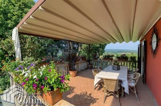 Villa bifamigliare ristrutturata, con TERRAZZO e ampio GIARDINO in VENDITA Verona (Borgo Venezia)