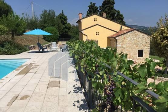 Villa nuova SPLENDIDA con PISCINA e ampio GIARDINO in VENDITA Romagnano (Grezzana)