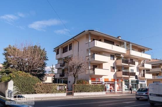 Five-rooms Apartment Verona LS1410