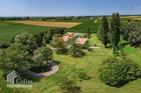 Villa Giacciano con Baruchella MA1474